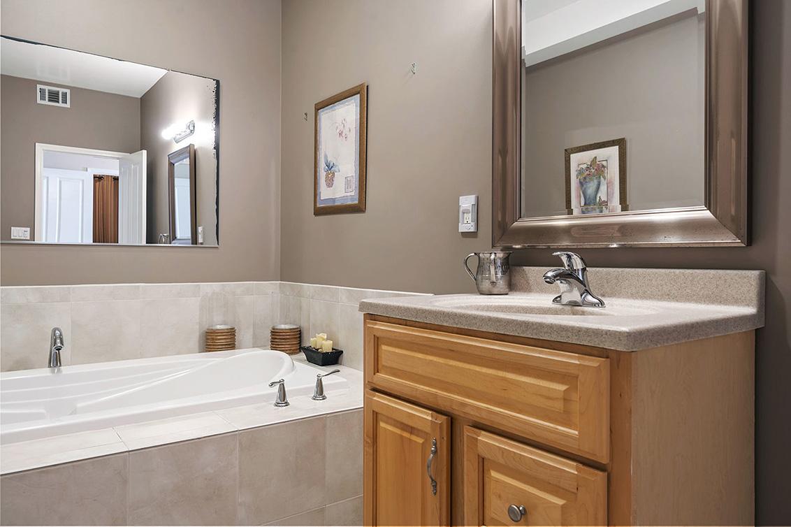Bathroom 4 (C)