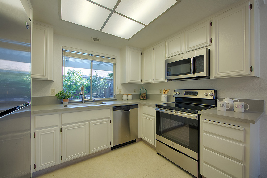 Kitchen (B) - 1459 Kentfield Ave