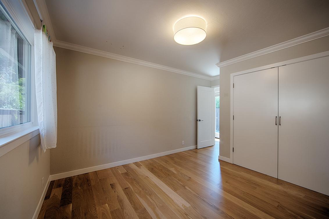 Bedroom 2 (C) - 136 Lyndhurst Ave