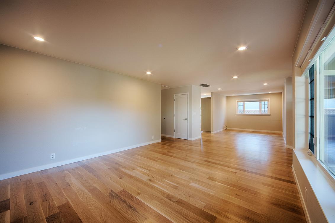 Living Room (D) - 136 Lyndhurst Ave