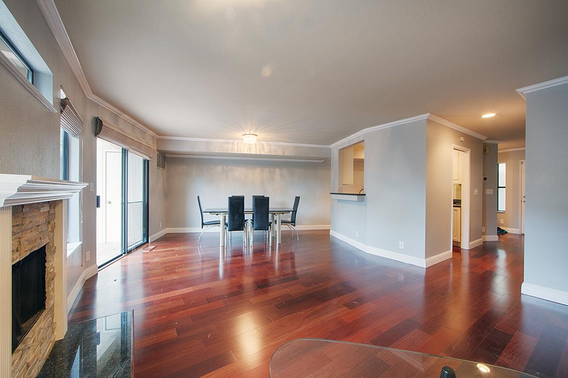 Living Room (D) - 406 Pepper Ave