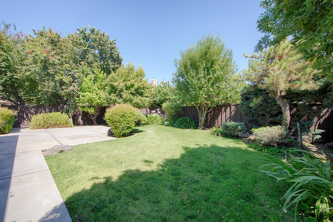 Backyard (B) - 2152 Port Way