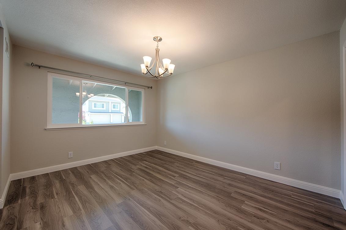Dining Room (A) - 2152 Port Way