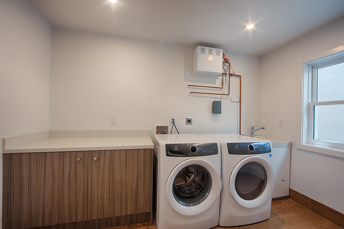 Laundry Room (A)