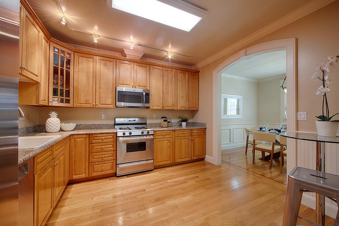 Kitchen (B) - 318 S Grant St 1a
