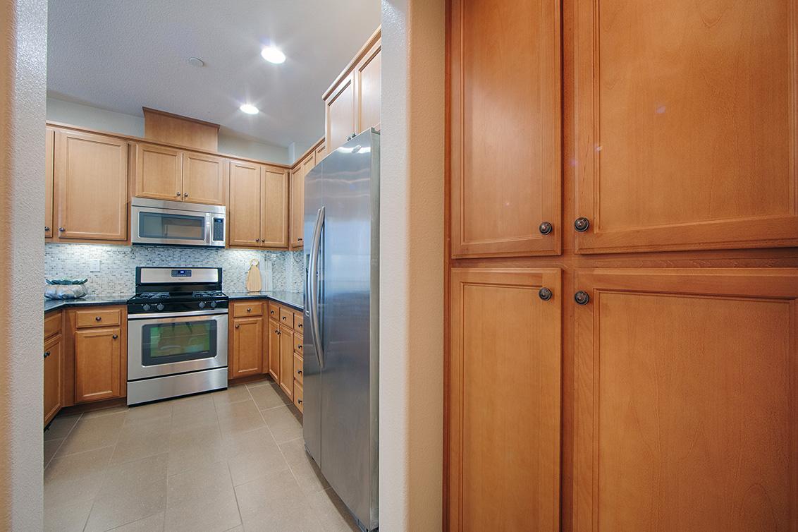 Kitchen Pantry (A)