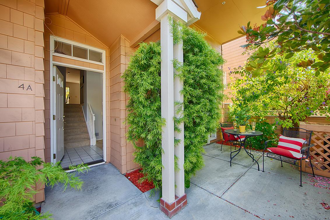 Entrance (A) - 444 San Antonio Rd 4a