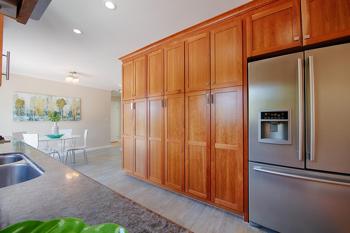 Kitchen (D) - 7564 Shadowhill Ln