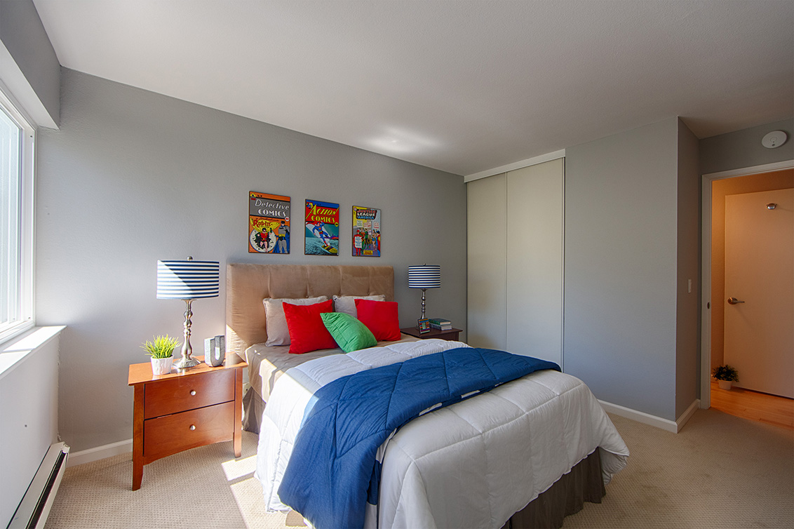 Bedroom 3 (D) - 1017 Shell Blvd 12