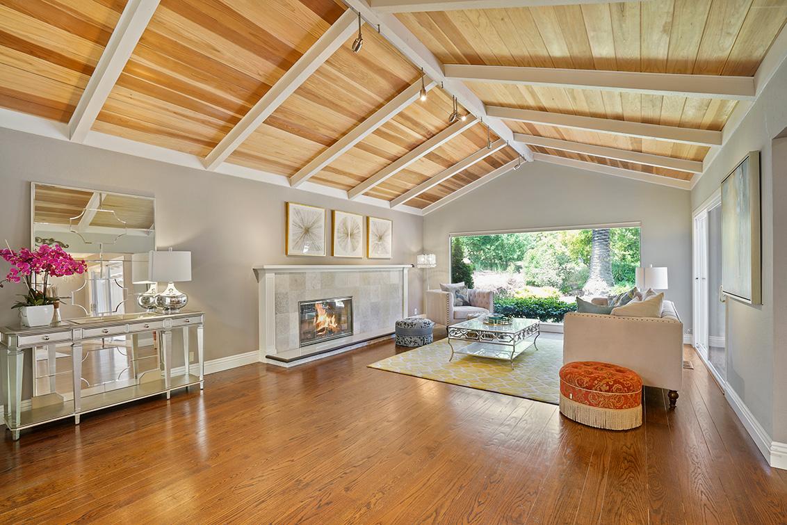 Living Room (B) - 302 Stevick Dr