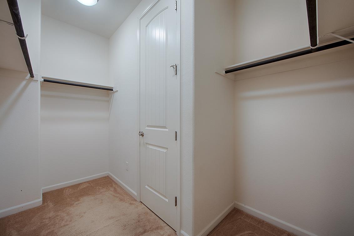 Closet 1 (A)
