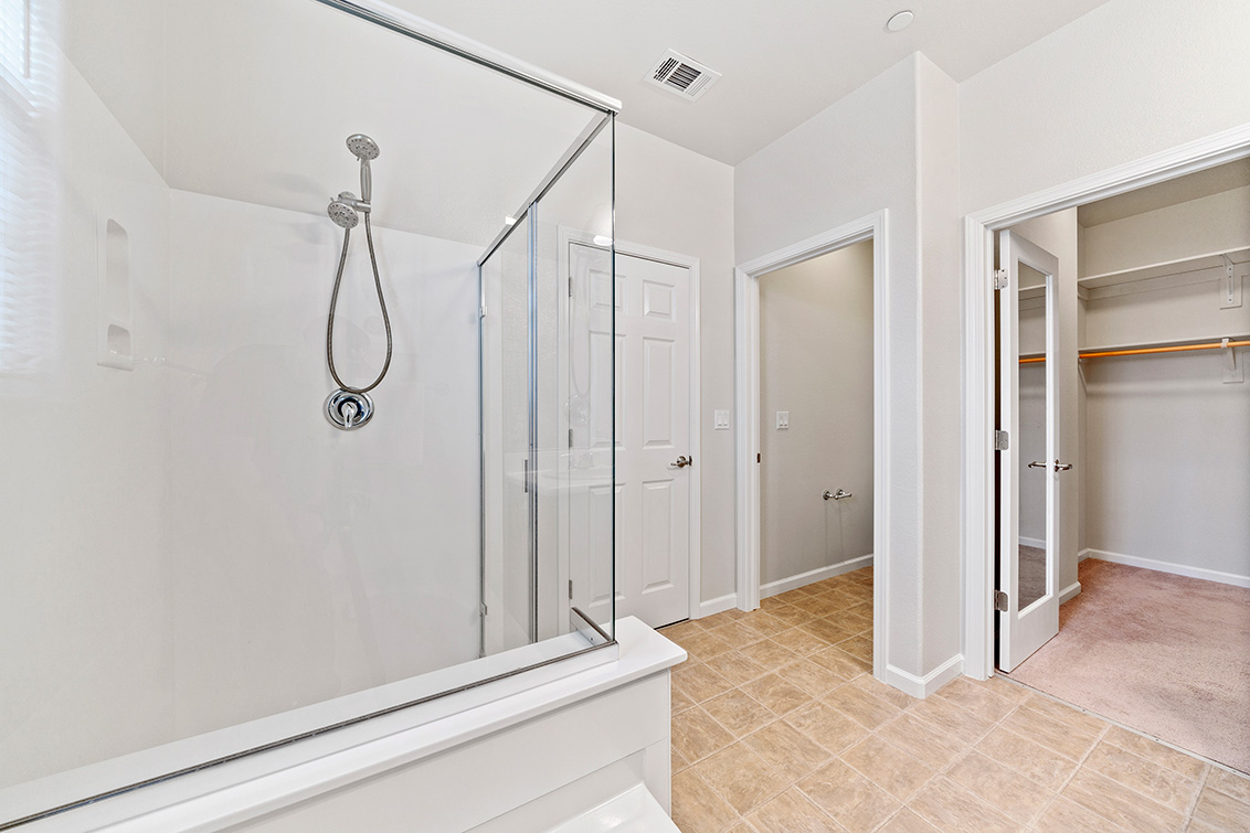Master Bath (C) - 5909 Via Lugano