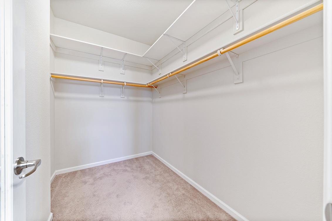 Master Closet (A) - 5909 Via Lugano