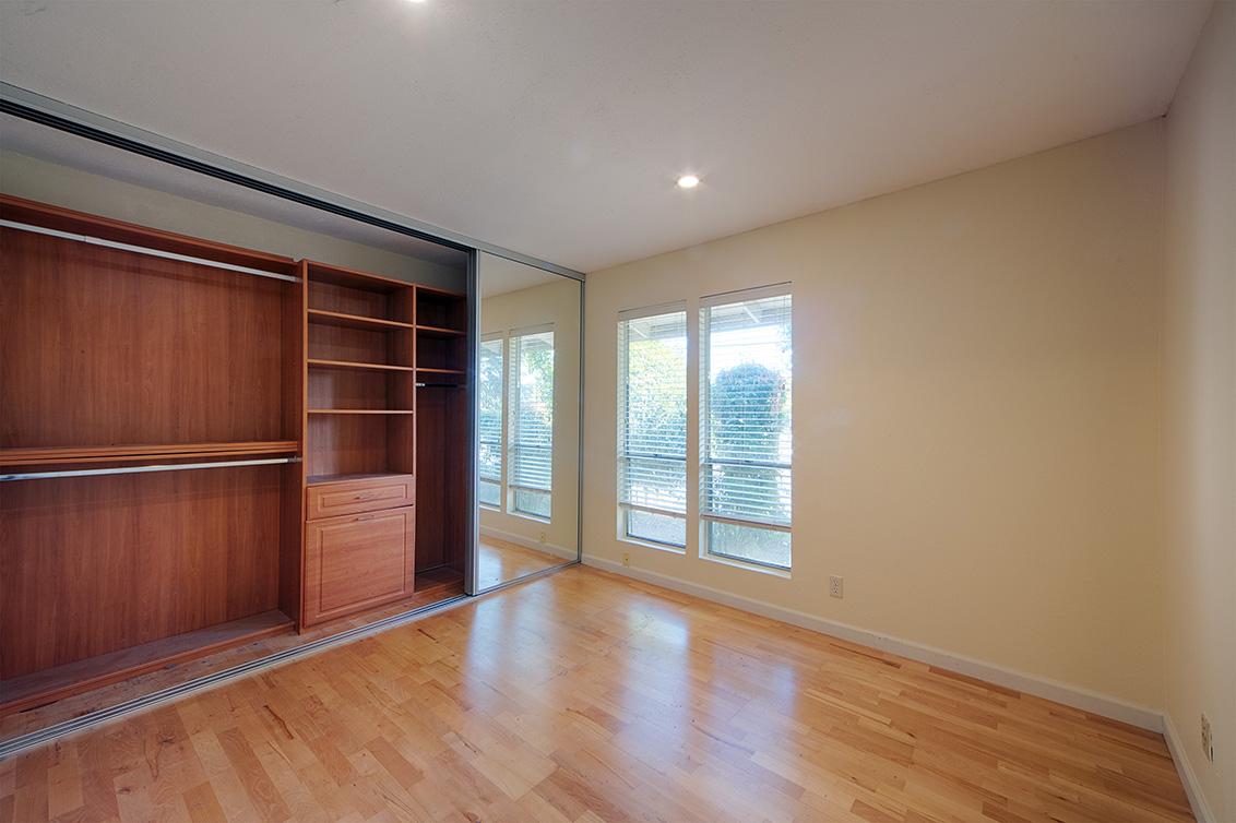 Living Room - 10584 White Fir Ct