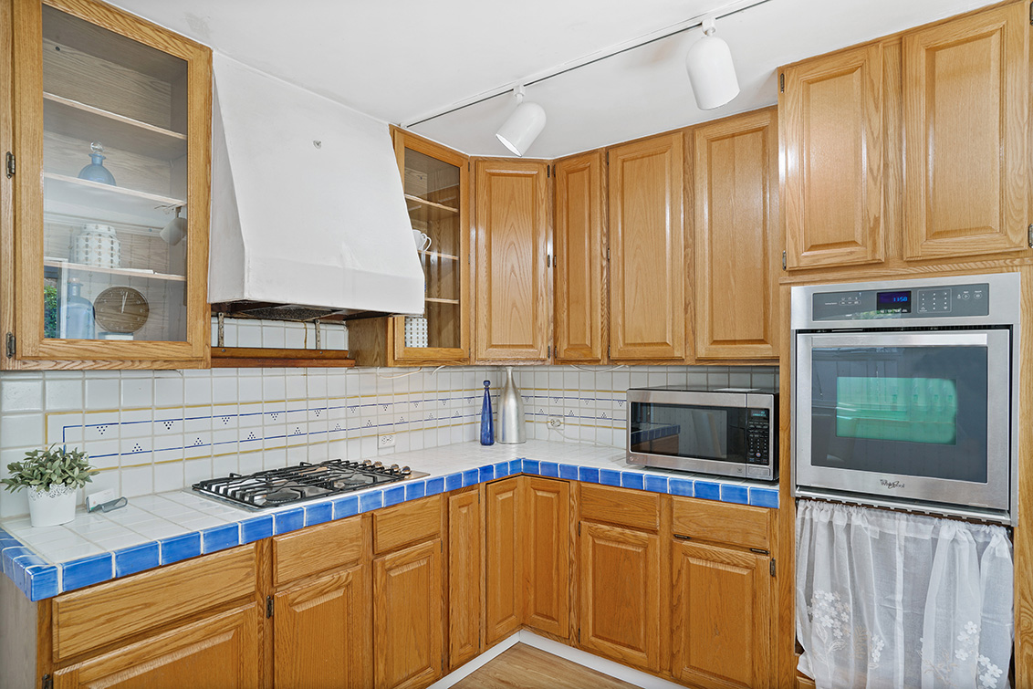 Kitchen (B) - 1551 Winding Way