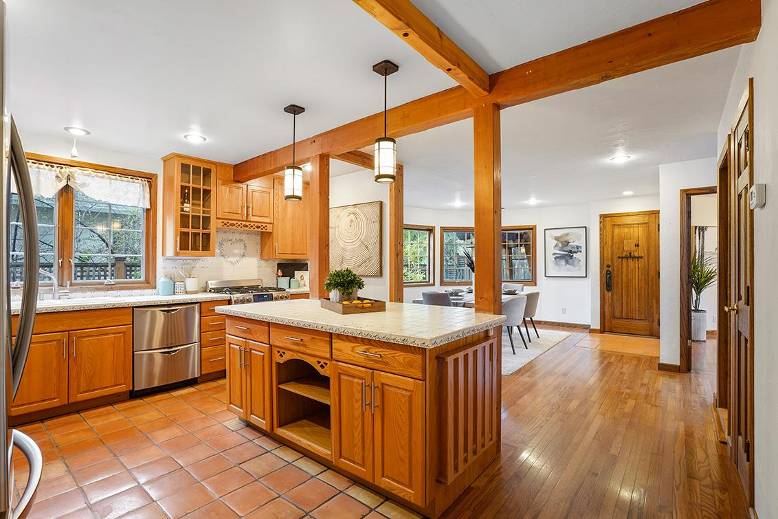 Kitchen (A) - 540 Irven Ct