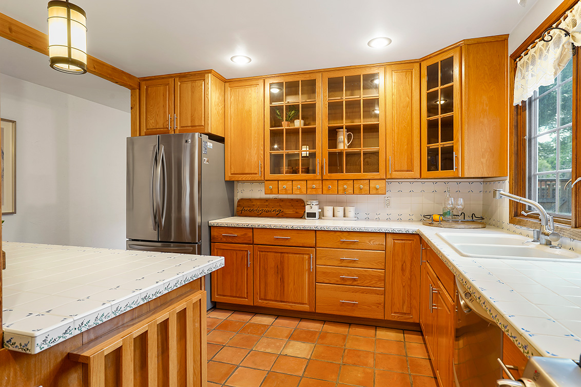 Kitchen (C) - 540 Irven Ct