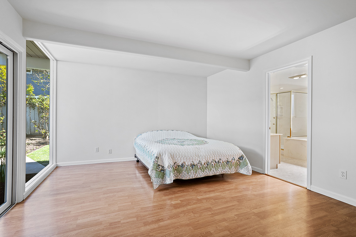 Master Bedroom (D) - 3582 Middlefield Rd