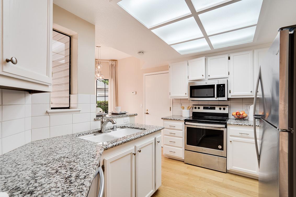 Kitchen (A) - 452 Mountain Laurel Ct