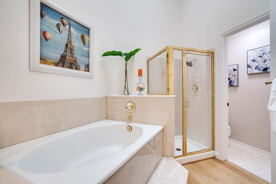 Master Bath (B)