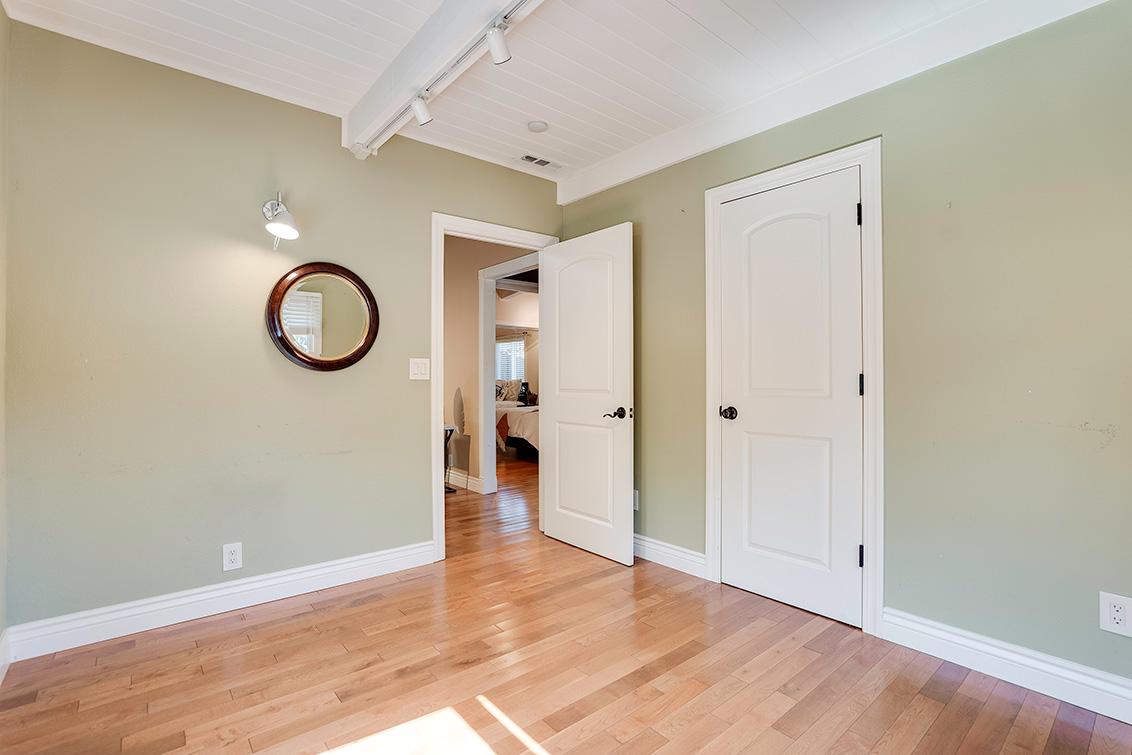 Bedroom 4 (C) - 3932 Park Blvd