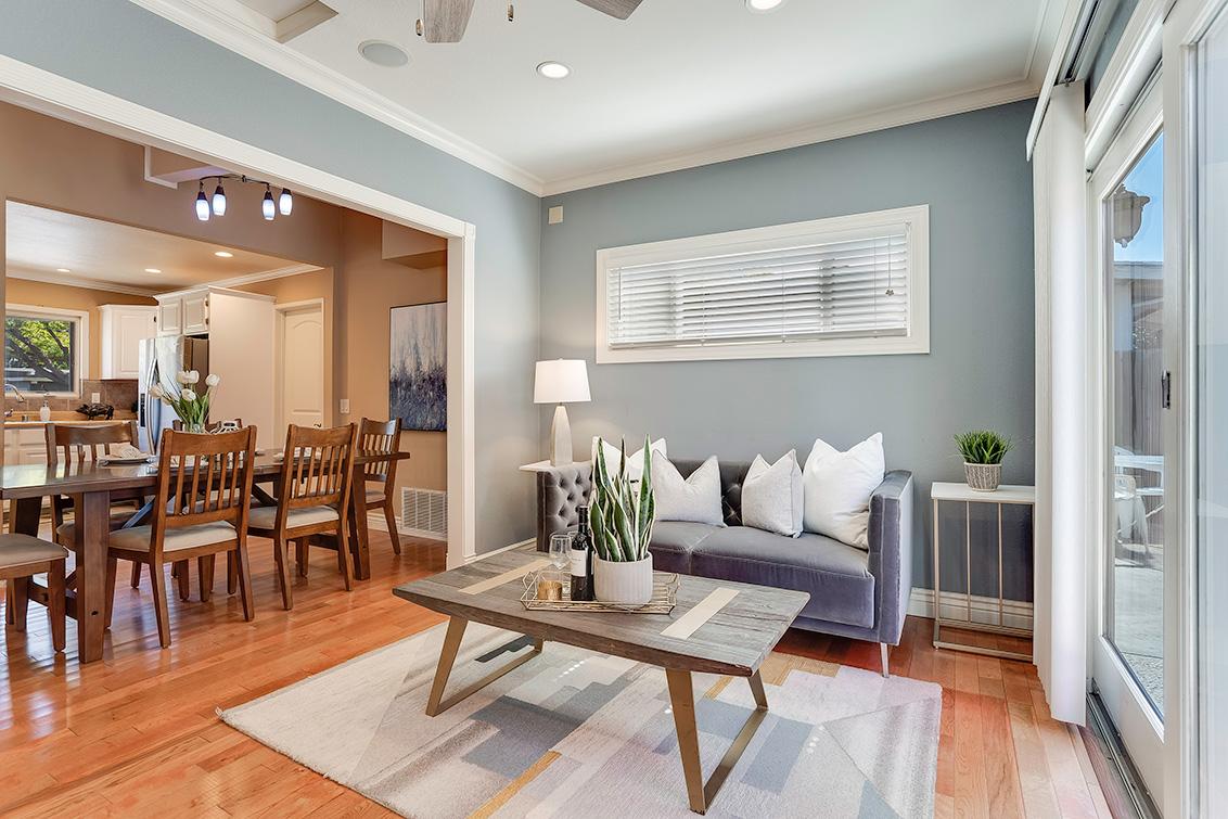Family Room (D) - 3932 Park Blvd