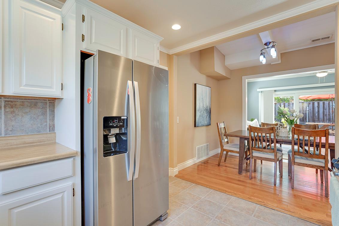 Kitchen (D) - 3932 Park Blvd