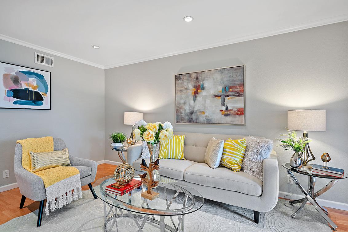 Living Room (C) - 765 San Antonio Rd 56