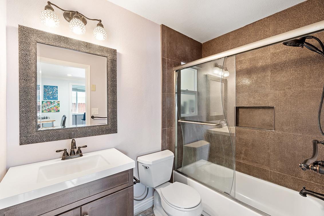 Bathroom 2 (A) - 353 Vaughn Ave