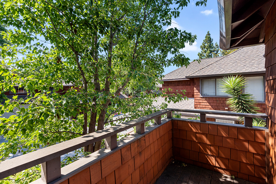 Balcony (A) - 2572 Village Dr