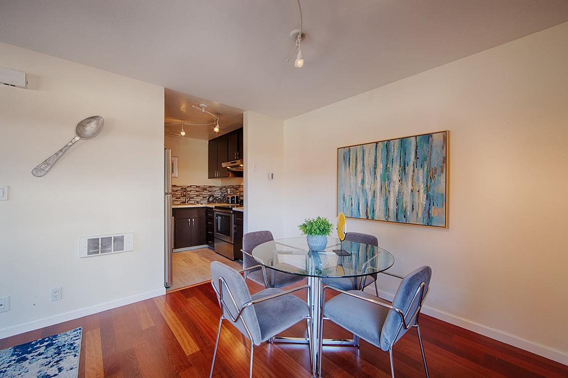 Dining Room (C) - 566 Vista Ave