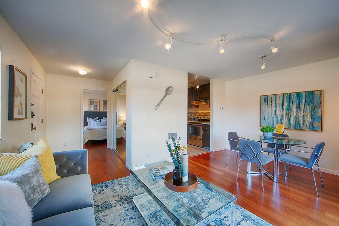 Living Room (B) - 566 Vista Ave