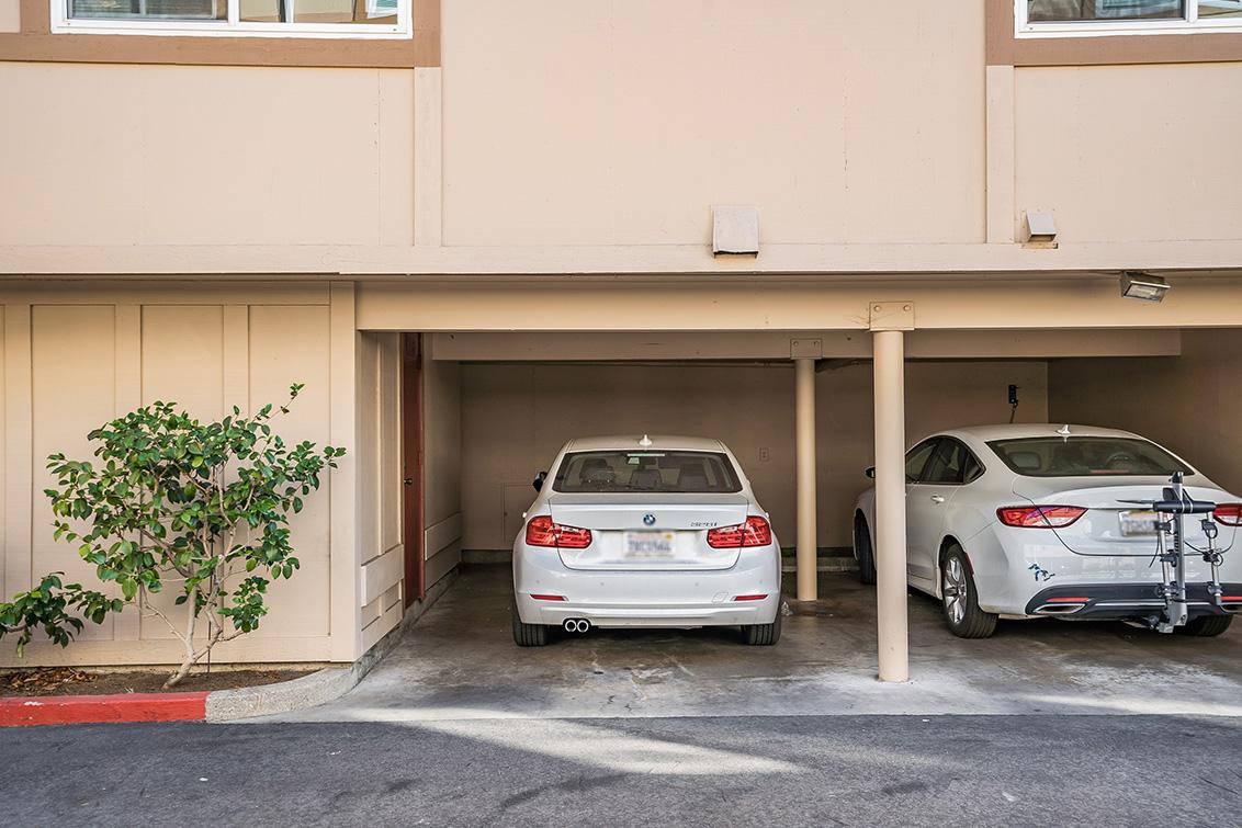Garage (B)