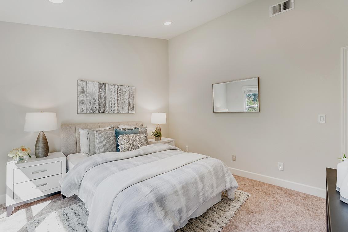 Bedroom 2 (B) - 1063 Bonita Ave