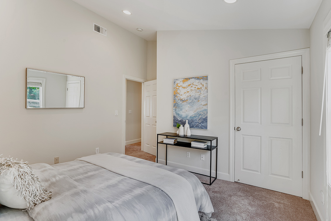 Bedroom 2 (C) - 1063 Bonita Ave