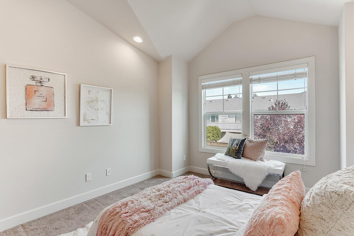 Bedroom 4 (B) - 1063 Bonita Ave