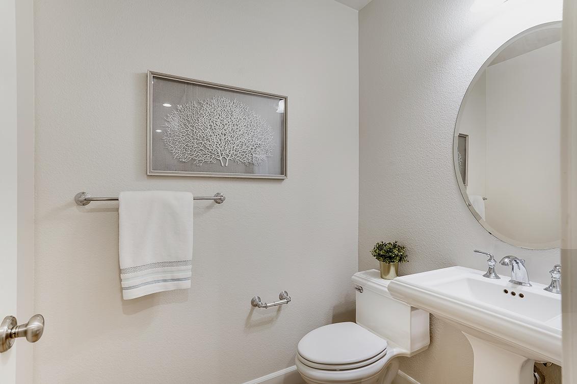 Half Bath (A) - 1063 Bonita Ave