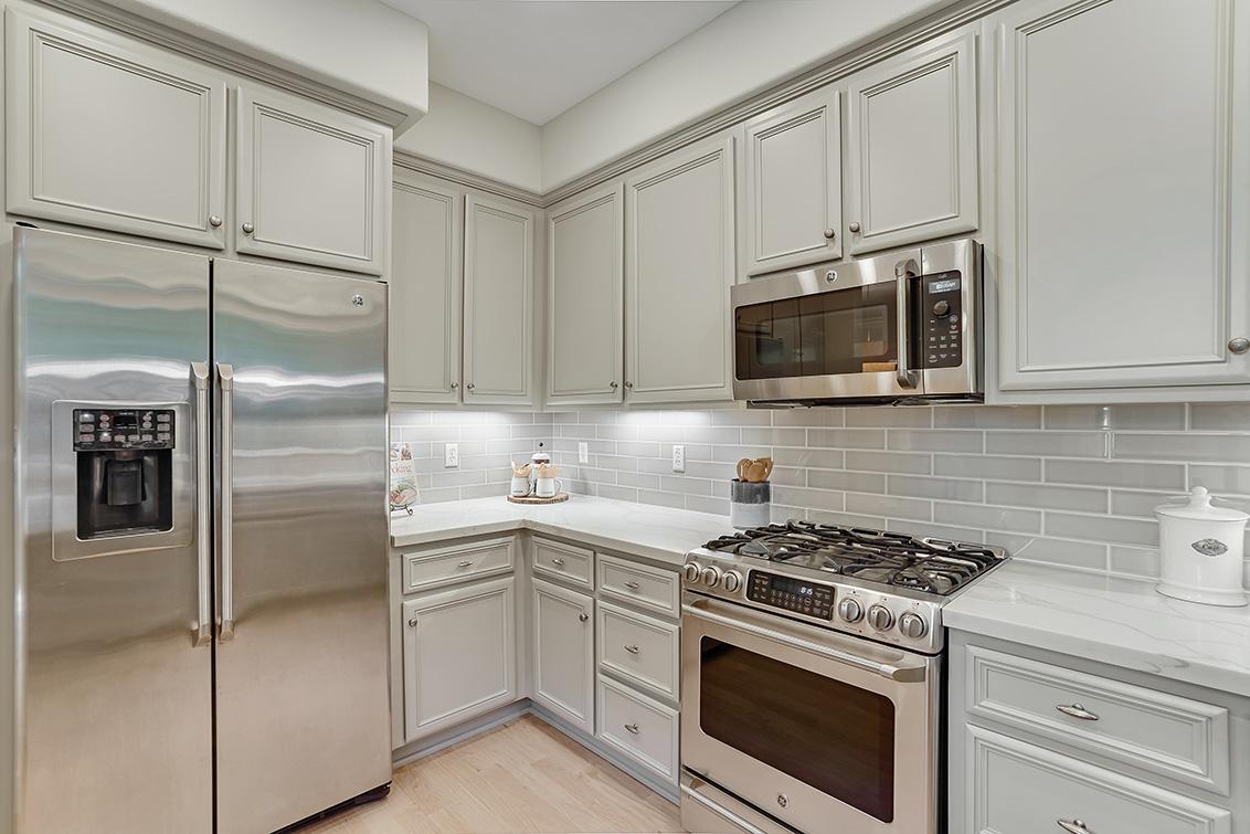 Kitchen (B) - 1063 Bonita Ave