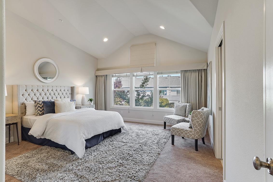 Master Bedroom (A) - 1063 Bonita Ave