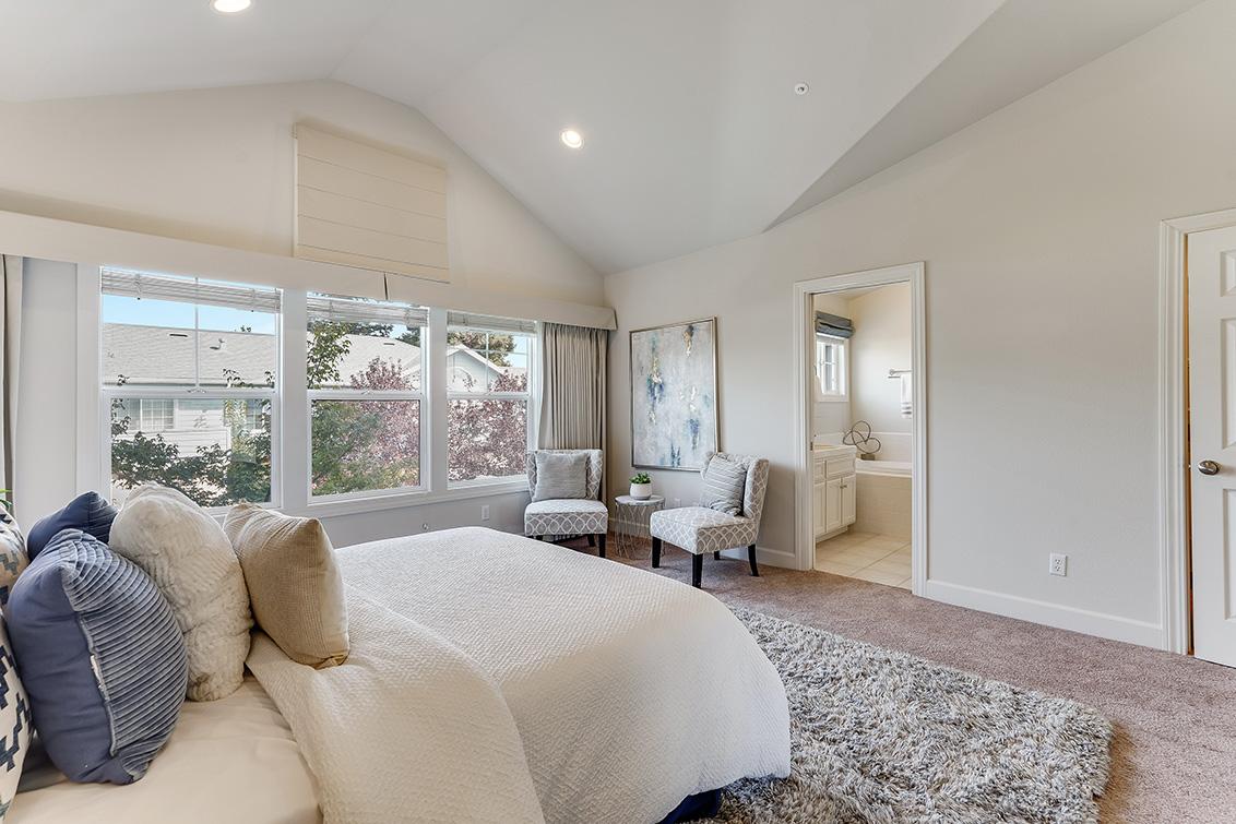 Master Bedroom (C) - 1063 Bonita Ave