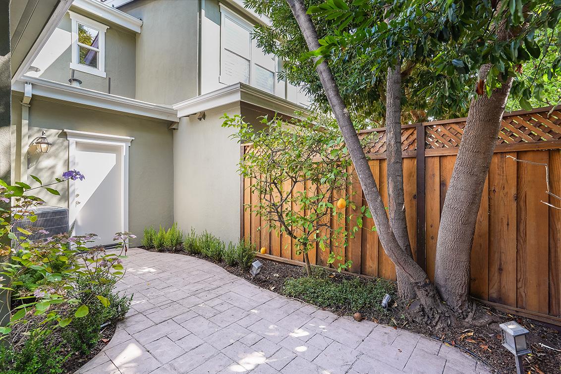 Side Door (A) - 1063 Bonita Ave