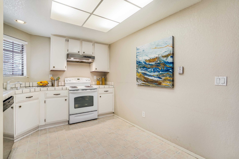 5047 Mitty Way, San Jose 95129 - Kitchen (B)