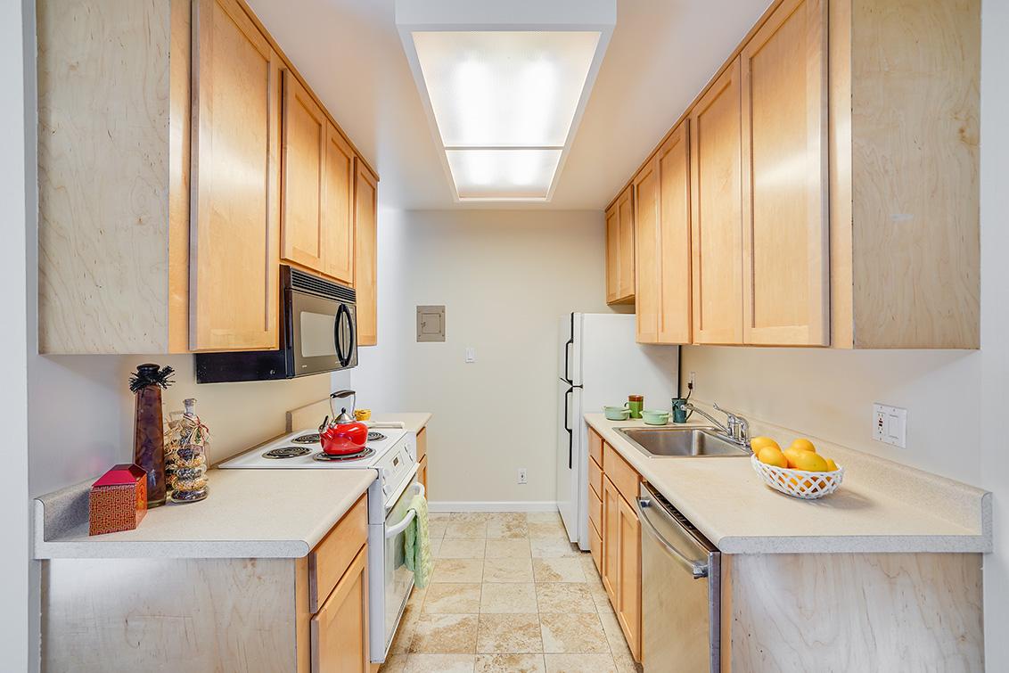 Kitchen (A) - 505 Cypress Point Dr 45
