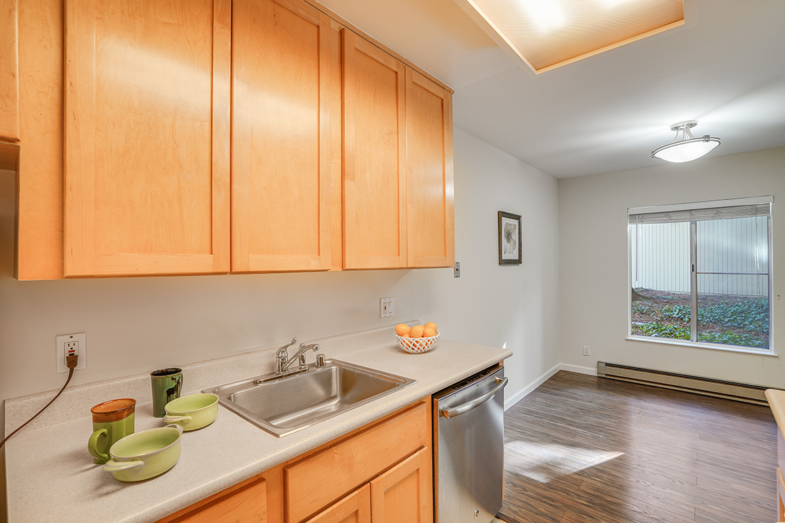 Kitchen (D) - 505 Cypress Point Dr 45