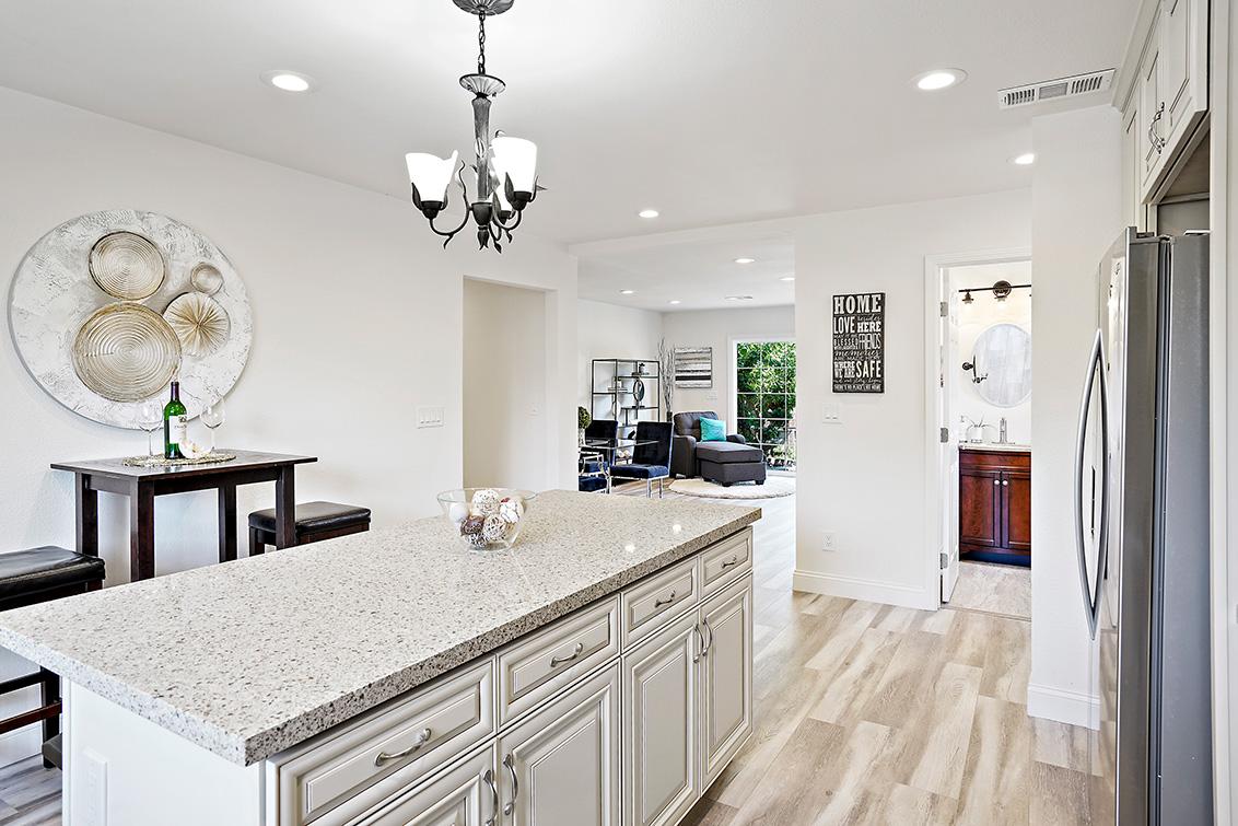 Home 2 Kitchen (B)