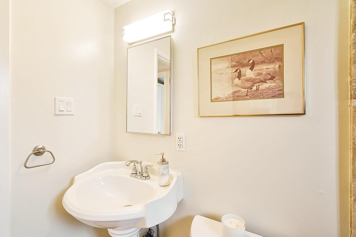 Bathroom 2 (C)