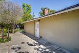 520 Rhodes Dr, Palo Alto 94303 - Sideyard (B)