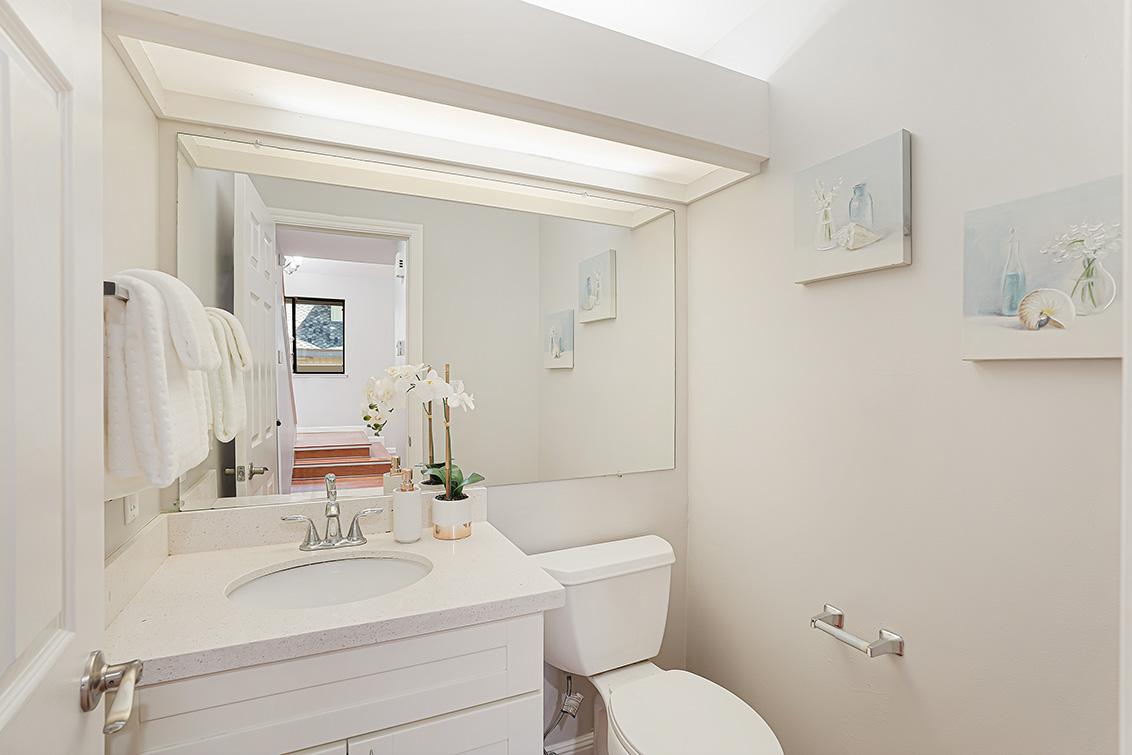 Half Bath (A) - 670 San Antonio Rd 40