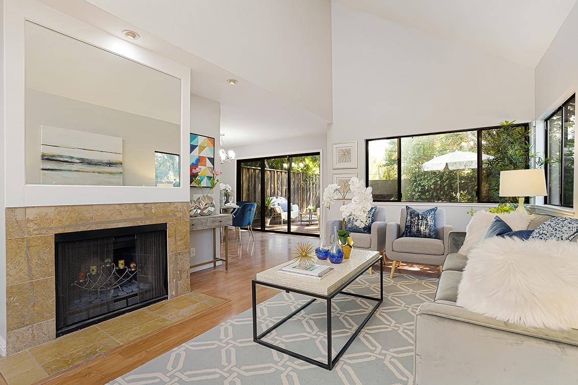 Living Room (A) - 670 San Antonio Rd 40