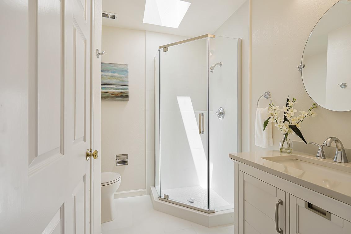 Bathroom 3 (B) - 112 Sleeper Ave